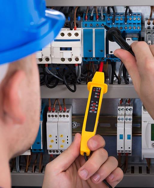 Technicien professionnel en électricité